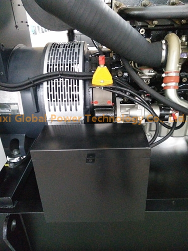250 KVA Perkins Soundproof Water - Cooled Diesel Generator Set 1300L