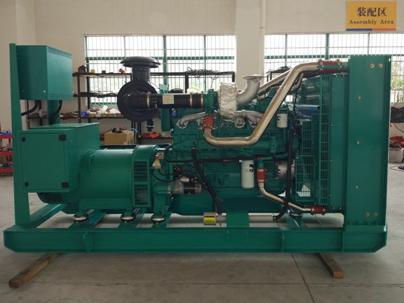 50Hz 3 Phase 400 / 300V 450KW / 563KVA Open Diesel Generator Set With Electronic Speed Govering Diesel Generator
